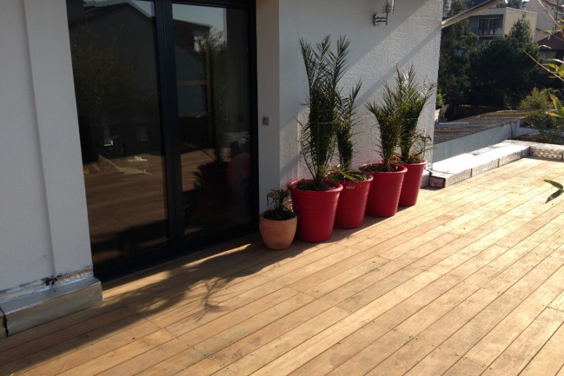 Interext-amenagement-exterieur-terrasse-principale