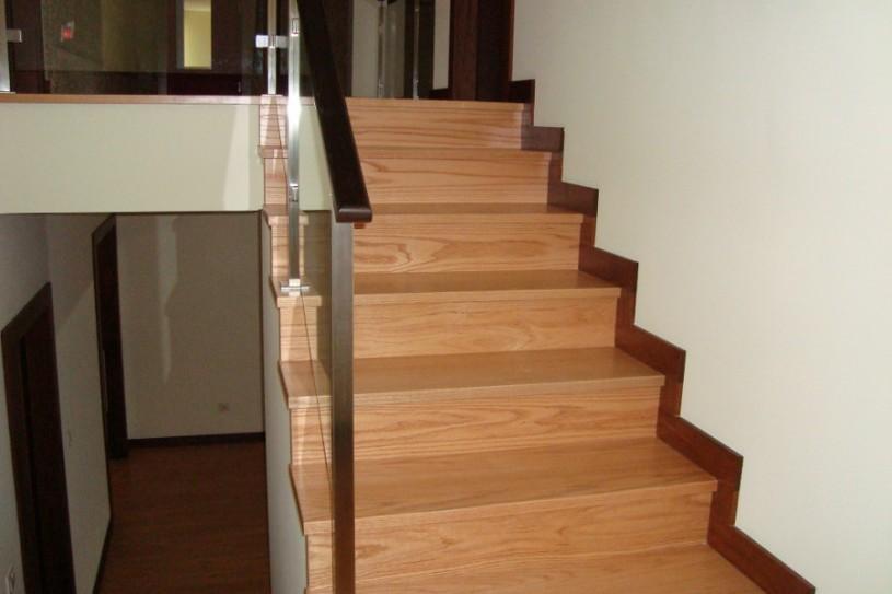 Interext-menuiserie-interieur-escalier-principale
