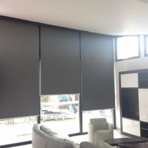 Interext-menuiserie-interieur-store-electrique-2